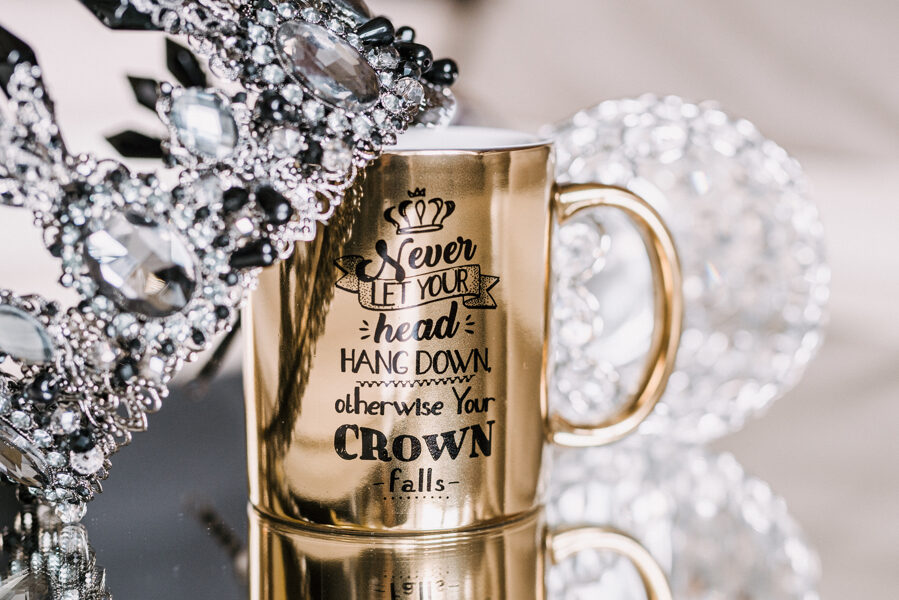 Crown. ENG_9 (gold, classic)